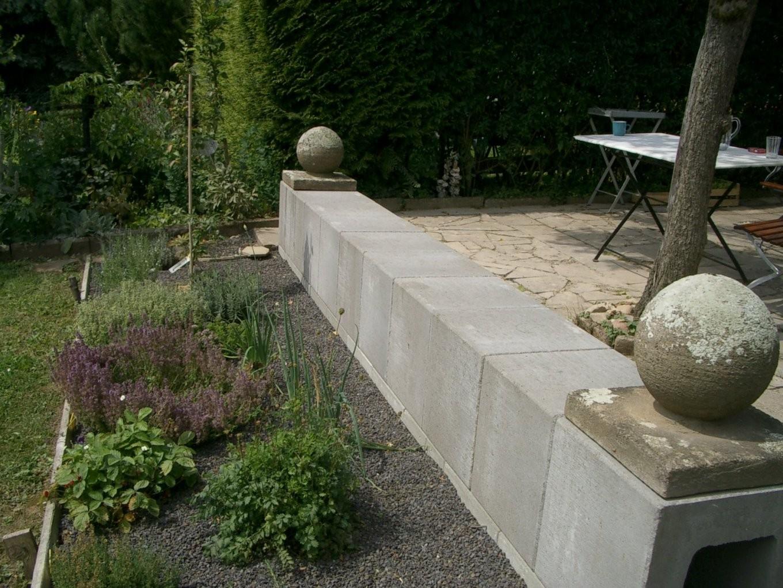 Villa Hildegard Die Neue Betonsitzbank von U Steine Garten Bild