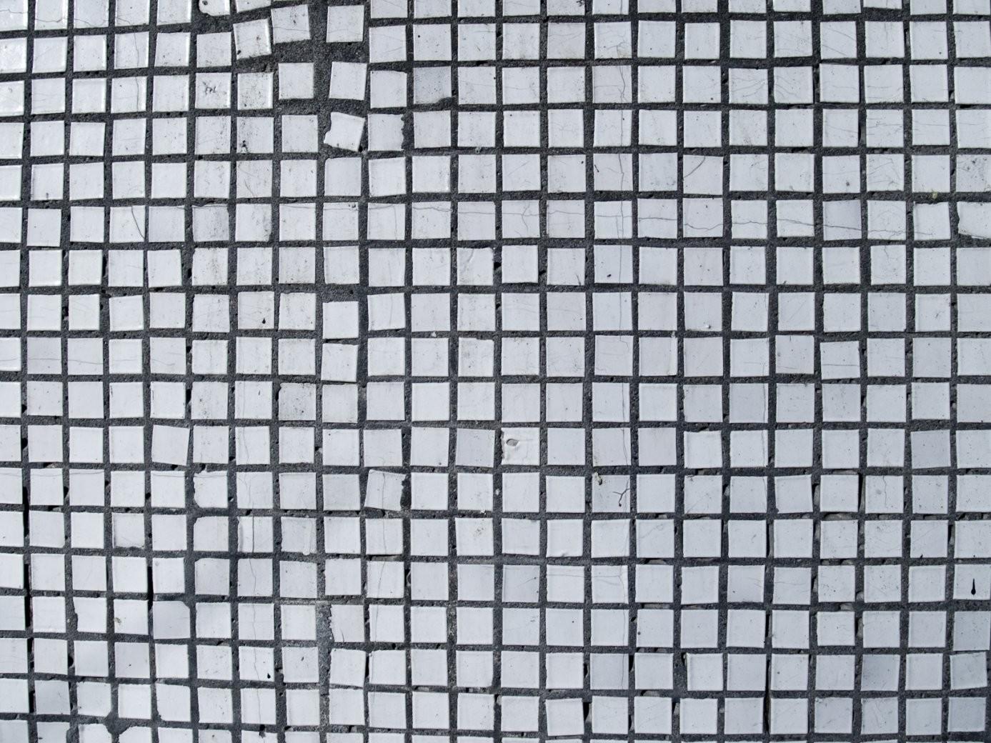 Wie Sie Sachgemäß Ihre Fliesen Verlegen von Mosaik Fliesen Außenbereich Bild