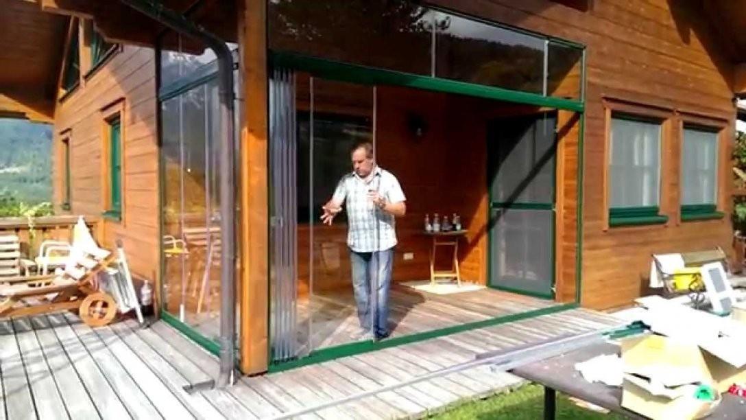 Wintergarten Schiebetür Aus Glas  Youtube von Terrassen Falttüren Selber Bauen Bild