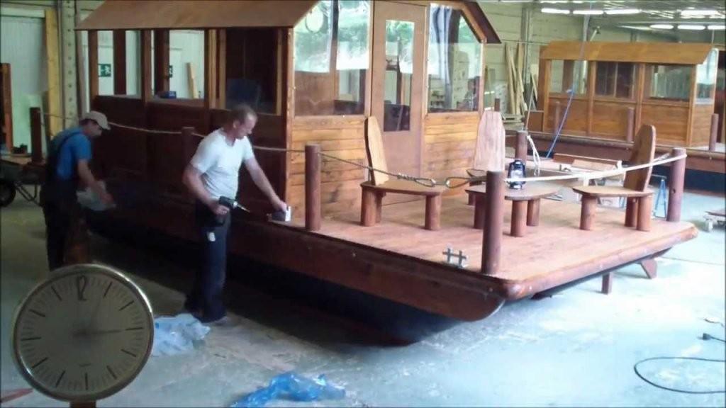 3 Ninjas Bauen Floß In 2 Minuten [ Boot  Hausboot Bauen Im von Ponton Hausboot Selber Bauen Photo