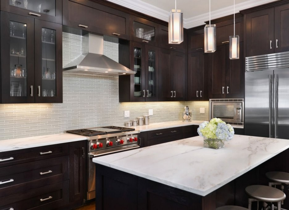 30 Classy Projects With Dark Kitchen Cabinets  Home Remodeling von Backsplash For Espresso Cabinets Bild