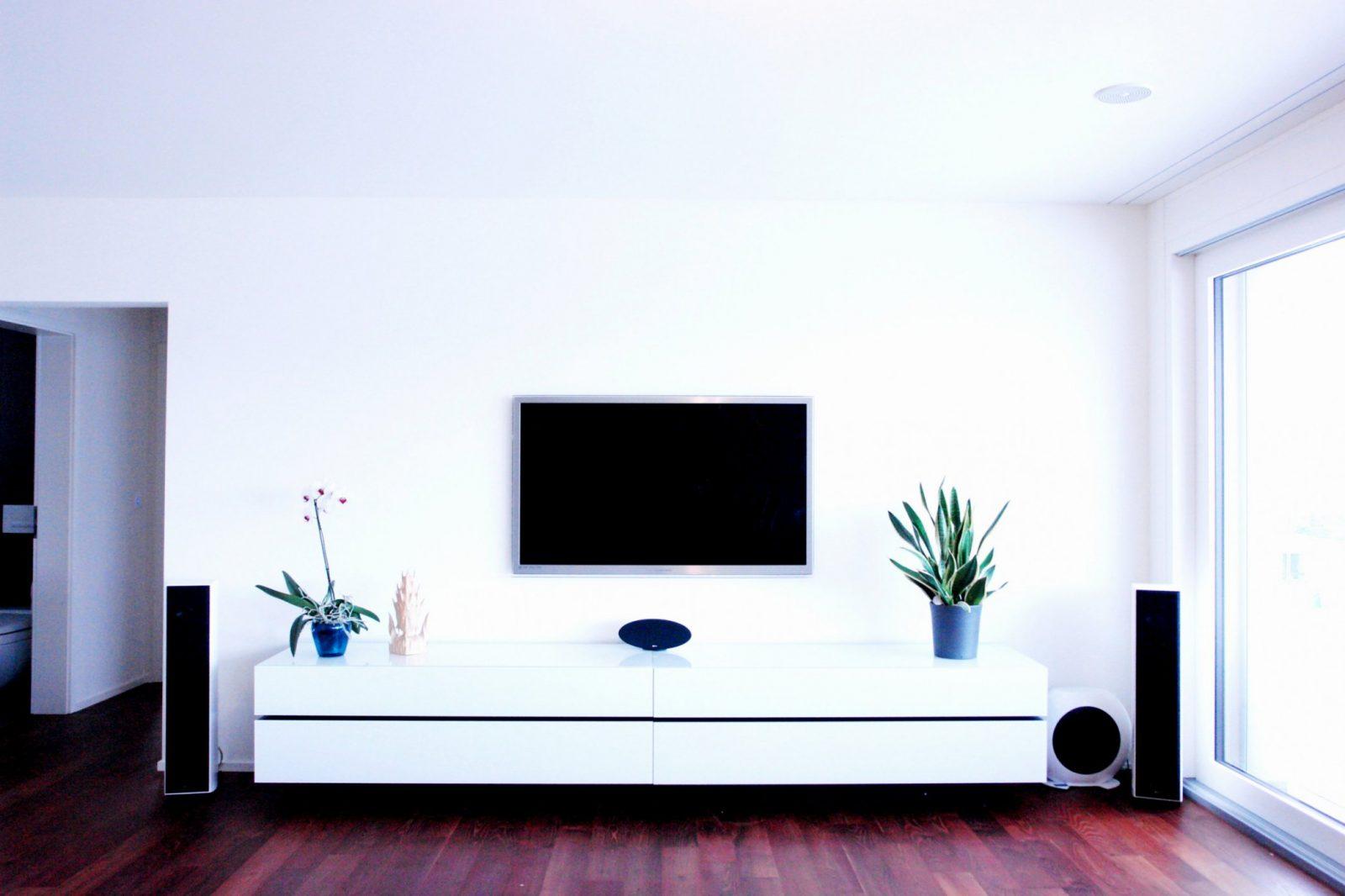 35 Chic Tv An Wand Kabel Verstecken  Ahhadesigns von Fernseher An Die Wand Hängen Kabel Verstecken Bild