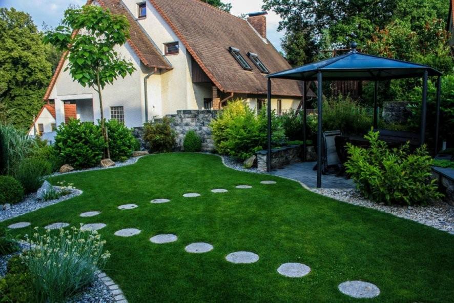39 Modern Kleine Garten Gestalten Praktische Losungen Fotos  Ideen von Kleine Gärten Gestalten Praktische Lösungen Photo