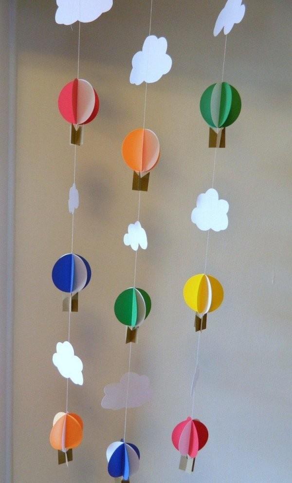 3D Heißluftballons Und Wolken Girlanden  Gyerekes  Fensterbilder von Baby Mobile Selber Basteln Anleitung Bild