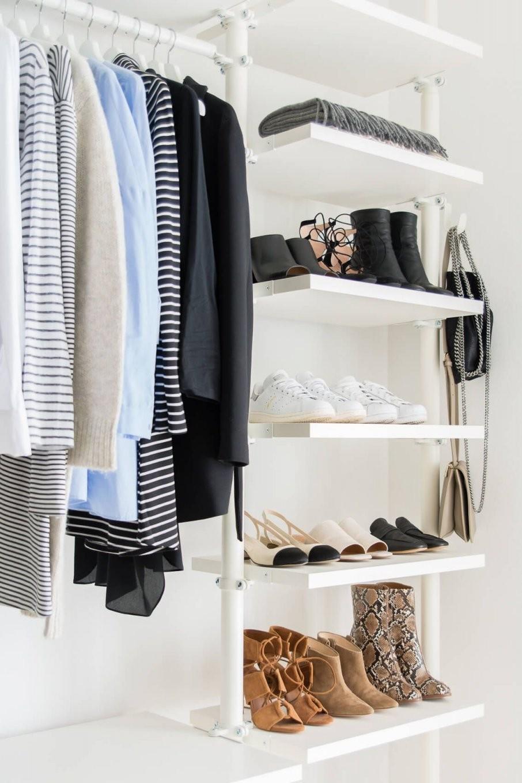 5 Hilfreiche Tipps Für Minimalismus Im Kleiderschrank  Let's Get von Begehbarer Kleiderschrank Ikea Stolmen Bild