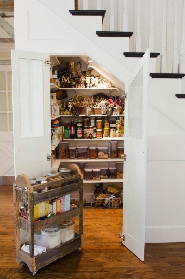 65 Ideen Für Stauraum Unter Der Treppe von Regal Für Unter Die Treppe Bild