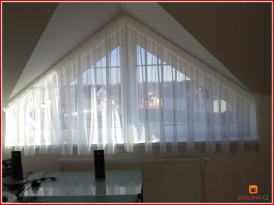 74 Foto Stock Von Gardinen Schräge Fenster  Grundrisse Idee von Gardinen Ideen Für Schräge Fenster Photo