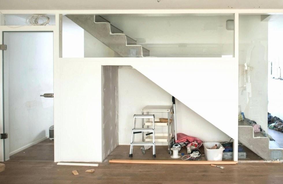 74 Fotos Kollektion Von Schrank Unter Offener Treppe  Grundrisse Idee von Schrank Unter Treppe Selber Bauen Photo
