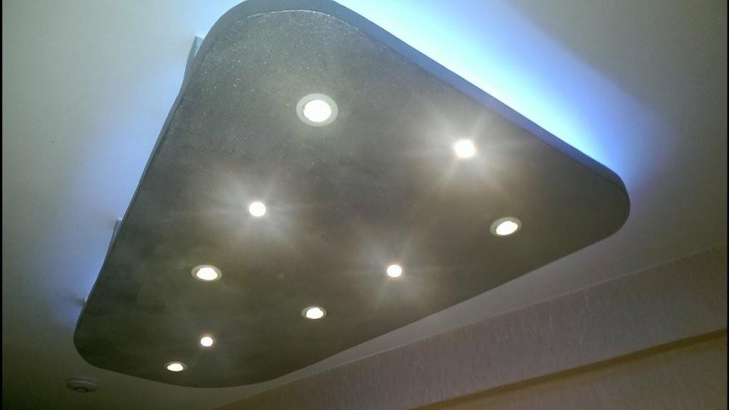 Abgehängte Decke Mit Indirekterbeleuchtung Led Spots  Rgb Led von Abgehängte Decke Indirekte Beleuchtung Anleitung Bild