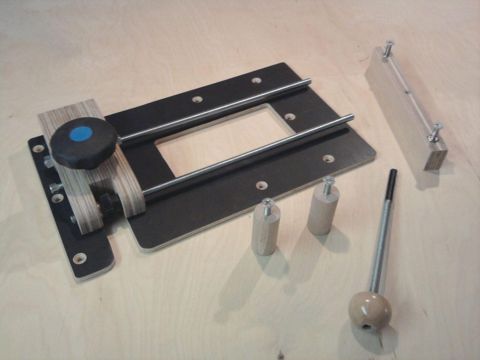 Adapterplatte Für Die Oberfräse Bauanleitung Zum Selber  Holz von Oberfräse Zubehör Selber Bauen Bild