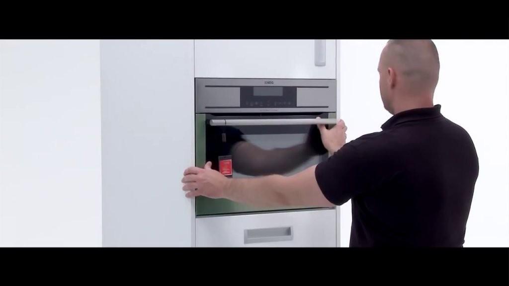 Aeg Einbau In Einen Hochschrank Küchenhaus Böttcher  Youtube von Schrank Für Einbauherd Selber Bauen Bild