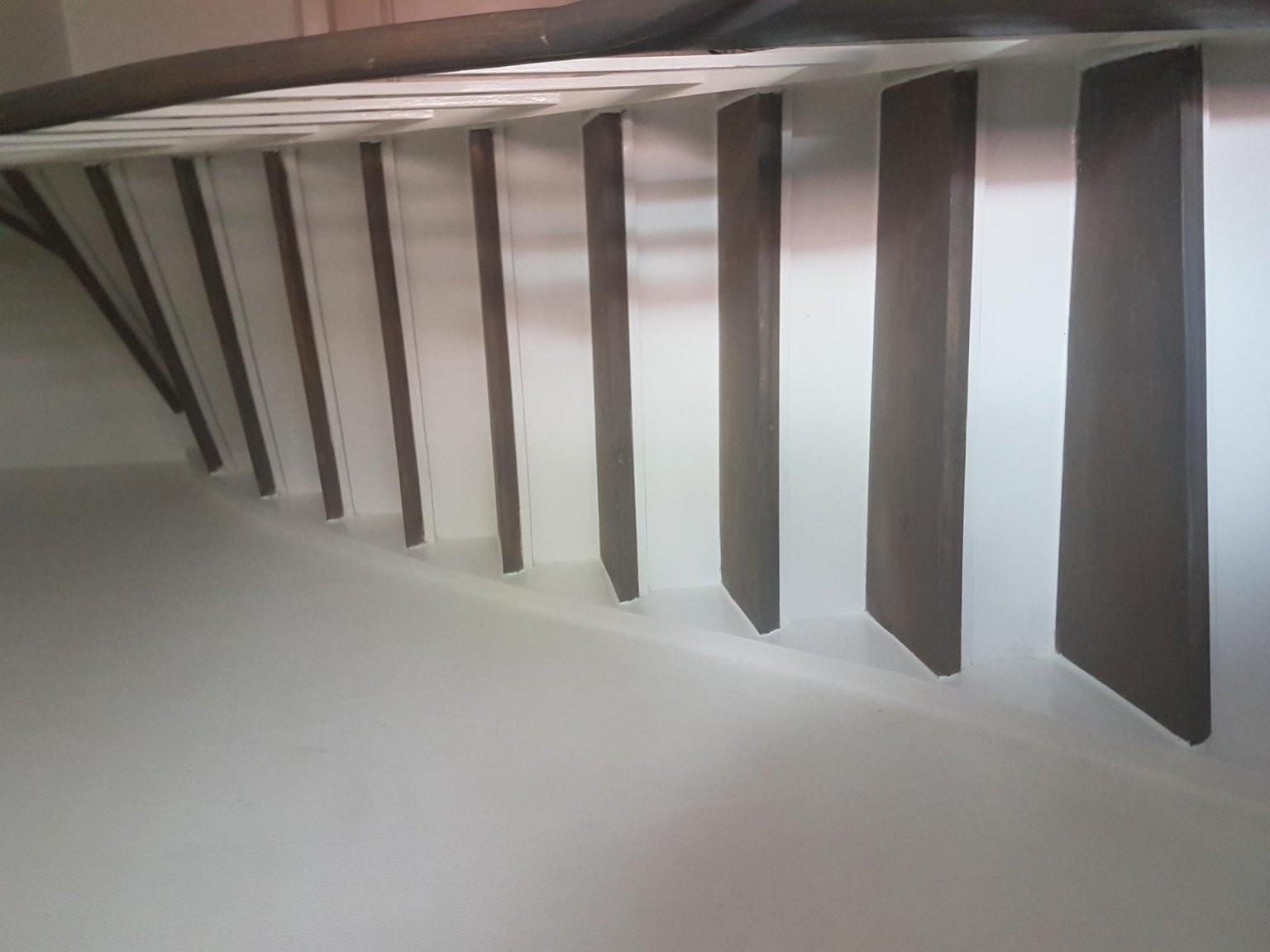 Alte Holztreppe Lack Abziehen Und Neu Streichen Holztreppe von Holztreppe Streichen Welcher Lack Photo