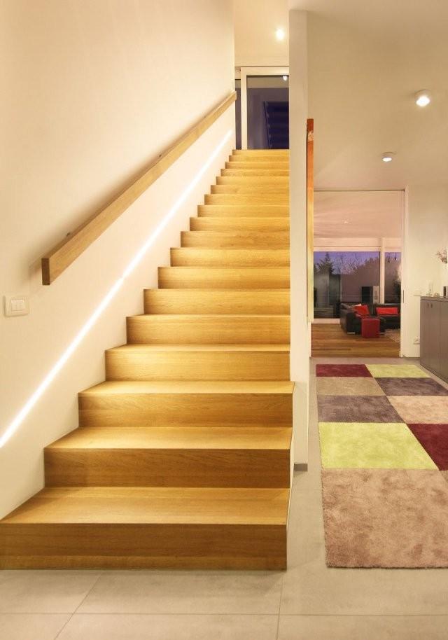 Architektenhaus Am Hang In Wiesbaden Bauen  Flur  Treppe Handlauf von Flur Und Treppenbeleuchtung Mit Bewegungsmelder Bild