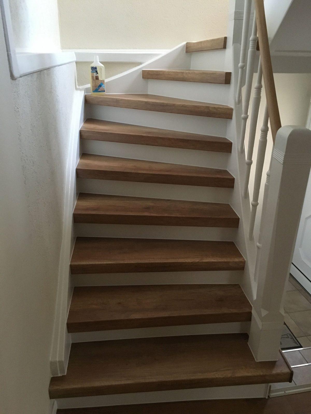 Attraktive Laminatstufen Auf Alter Holztreppe  Alte Treppe Neu von Alte Treppen Neu Gestalten Bild