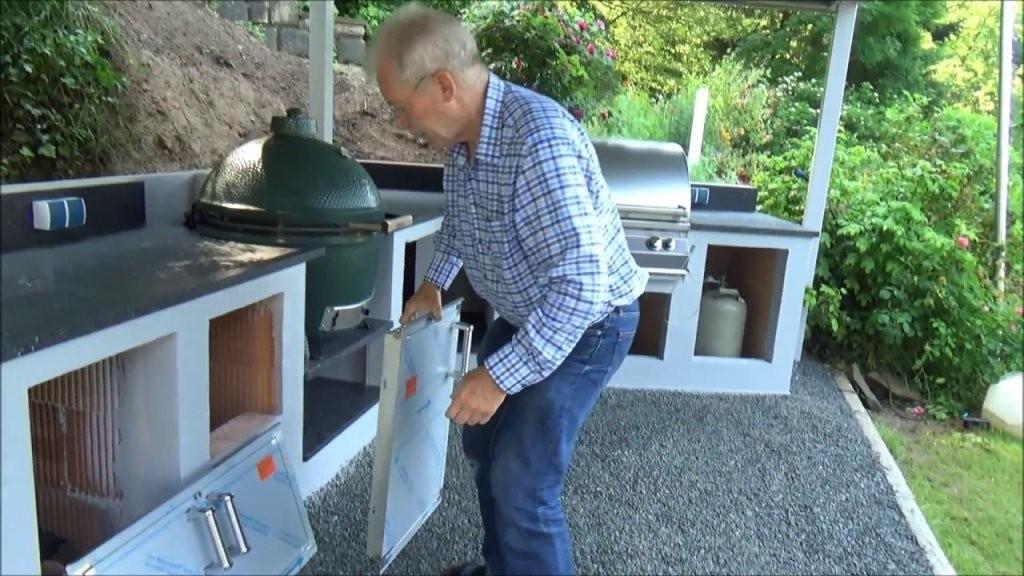"""Außenküche"""" Richtig Machen Mit Freddy  Youtube von Außenküche Selber Bauen Holz Photo"""