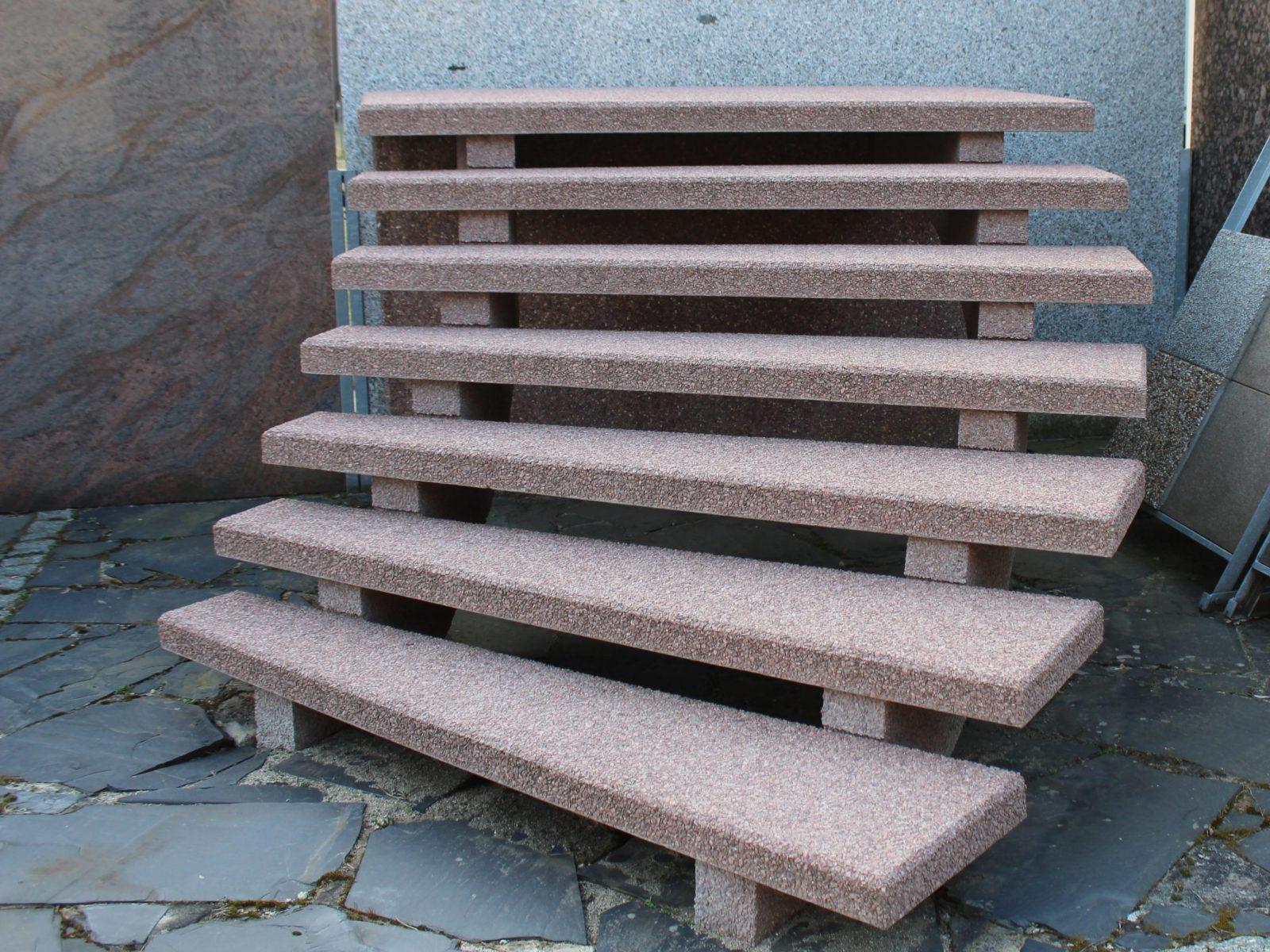 Außentreppen Aus Granit Oder Waschbeton von Gewendelte Treppe Fliesen Anleitung Bild