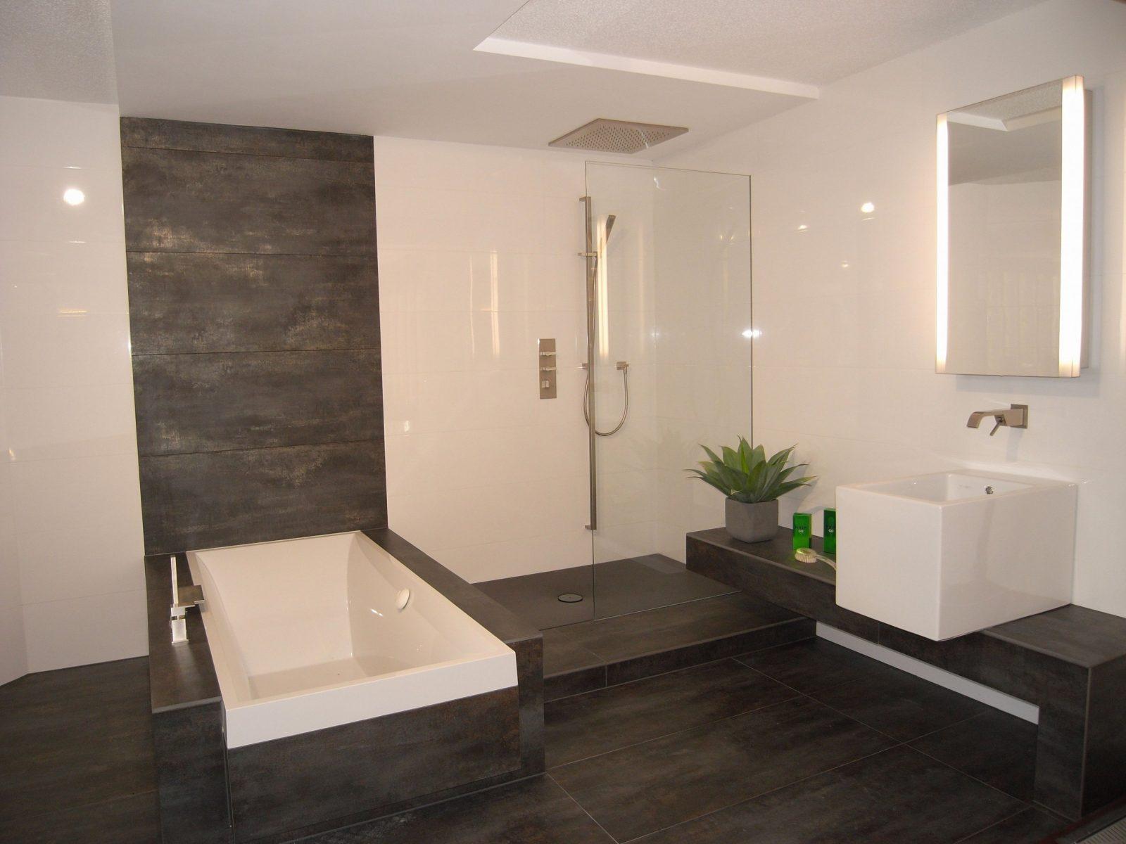Badezimmer Fliesen Mosaik Dusche Terrasse On Badezimmer Fliesen von Fliesen Bad Ideen Modern Bild