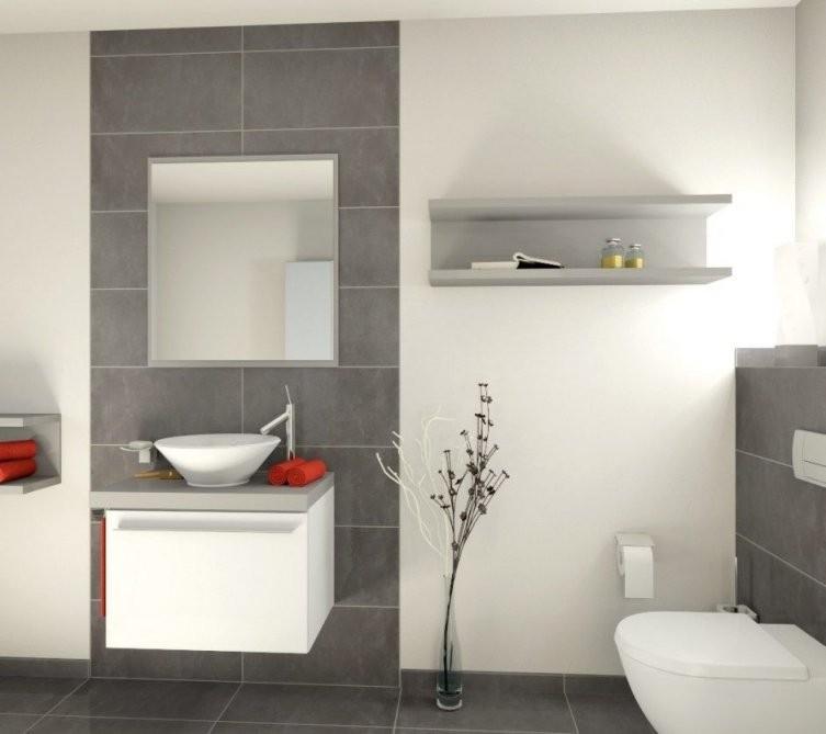 Badezimmer Grauer Boden Weiße Wand  Haus  Badezimmer Badezimmer von Bad Grau Weiß Gefliest Photo
