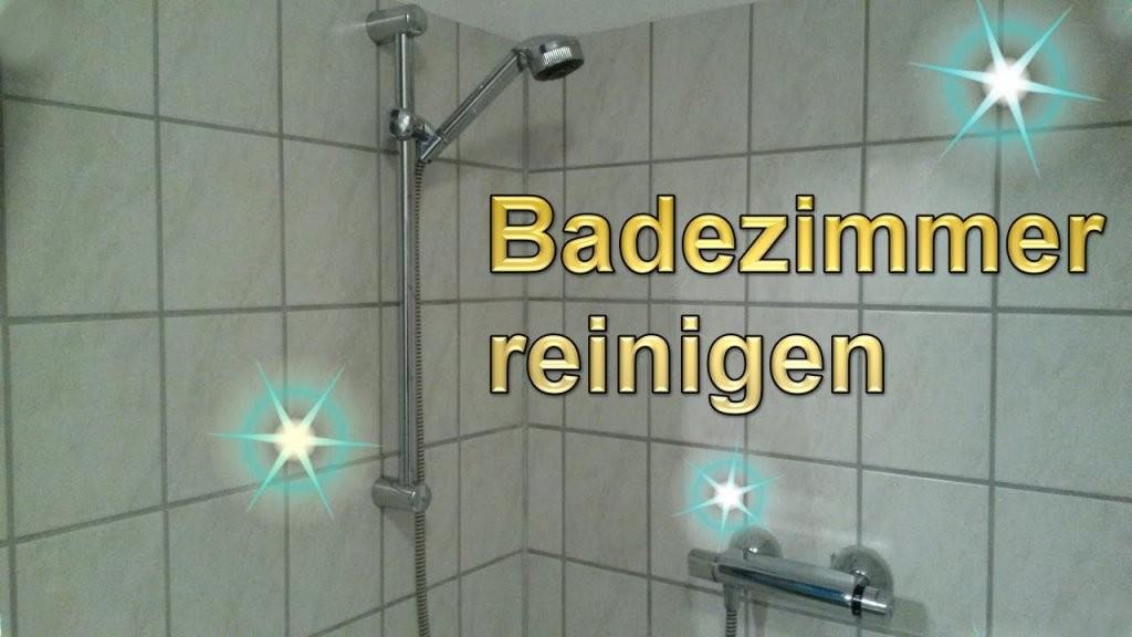 Badezimmer Putztrick  Bad Mühelos Sauber Machen  Lifehack Bad von Mosaik Fliesen Dusche Reinigen Photo
