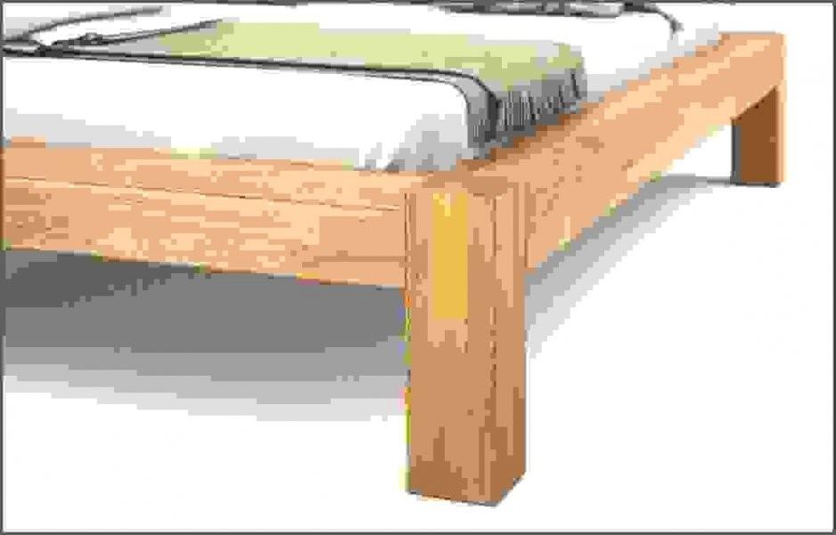 Balkenbett Verbindung Balken Füße Von Bett Aus Balken Selber Bauen von Bett Selber Bauen Balken Bild