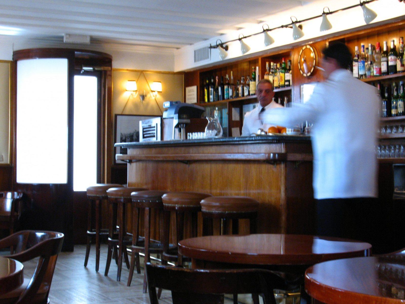 Bar (Lokal) – Wikipedia von Kleine Bar Fürs Wohnzimmer Photo