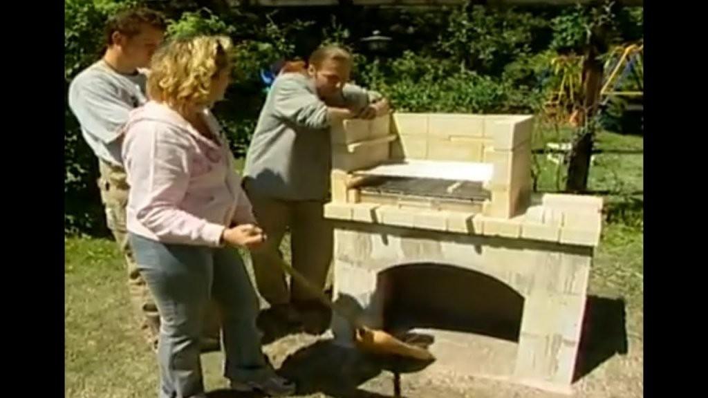 Bauanleitung Grill Selber Bauen Ratschläge Rund Ums Grillen  Youtube von Gartenkamin Grill Selber Bauen Photo