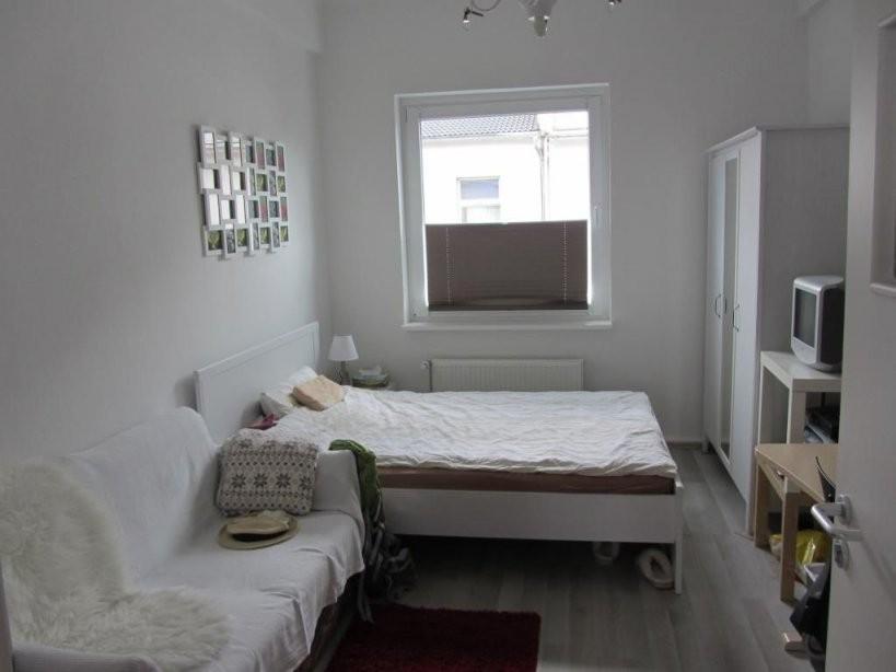 Bitte Teilen 13 Qm Großes Zimmer In Netter 4Er Wg In Zentraler Lage von 13 Qm Zimmer Einrichten Bild