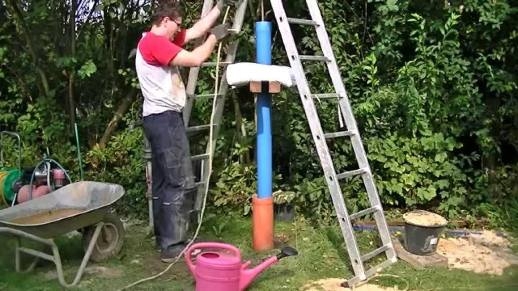 Brunnen Bohren  Brunnenrohr Einplunschen  Youtube von Brunnen Im Garten Kosten Bild