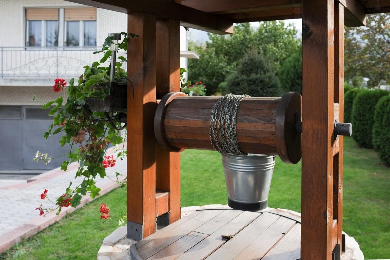 Brunnen Bohren Die Kosten Für Den Gartenbrunnen  Heimhelden von Brunnen Im Garten Kosten Bild