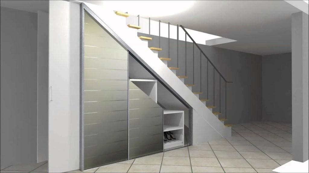 Cabinet Einbauschrank Zur Nutzung Von Stauraum Unter Einer Treppe von Regale Unter Der Treppe Bild