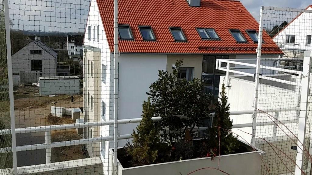 Das Klick Und Weg Katzennetz * Einzelrahmen Ohne Bohren *  Youtube von Katzenschutznetz Balkon Ohne Bohren Bild