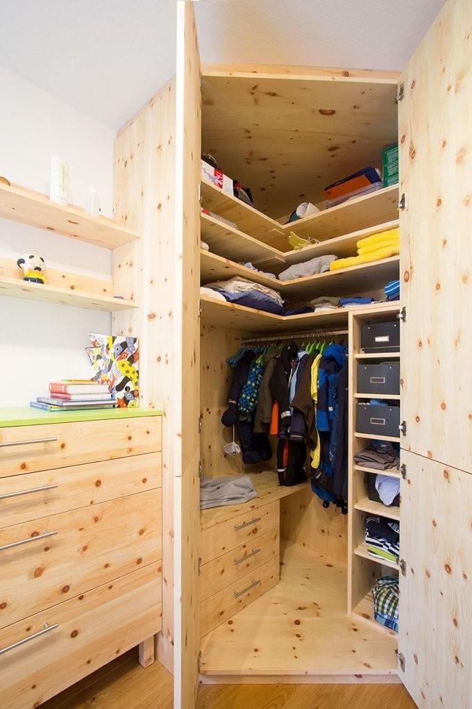 Deckenhoher Einbaueckschrank Mit Besonders Viel Platz Für Sommer von Eckschrank Selber Bauen Bauanleitung Photo