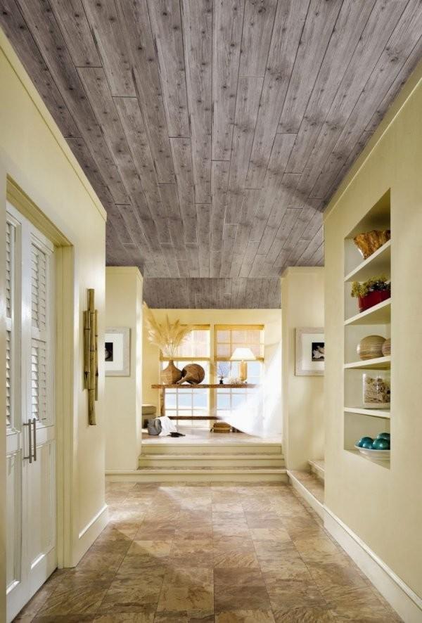 Deckenpaneele Streichen  Tipps Und Ideen Für Farbauswahl von Holzdecke Mit Wandfarbe Streichen Photo