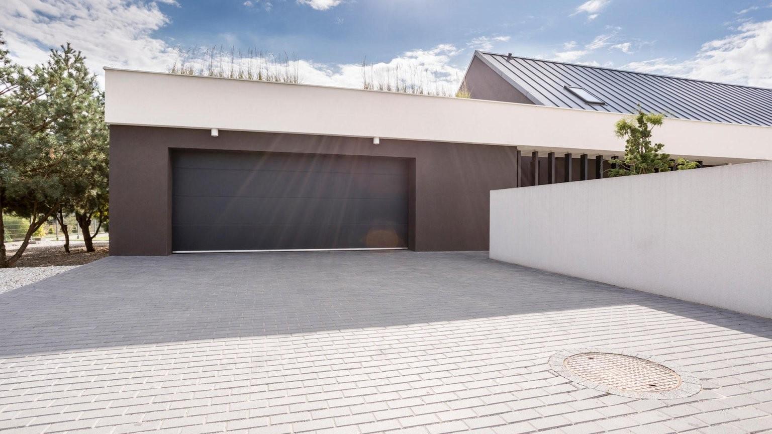 Den Richtigen Bodenbelag Für Die Einfahrt Auswählen von Garagenzufahrt Gestalten Mit Kies Oder Schotter Bild
