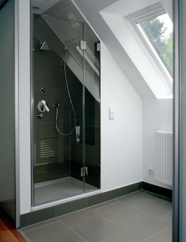 Der Dachschräge Ein Schnippchen Schlagen  Sbz  Bäder  Badezimmer von Dusche In Der Dachschräge Bild
