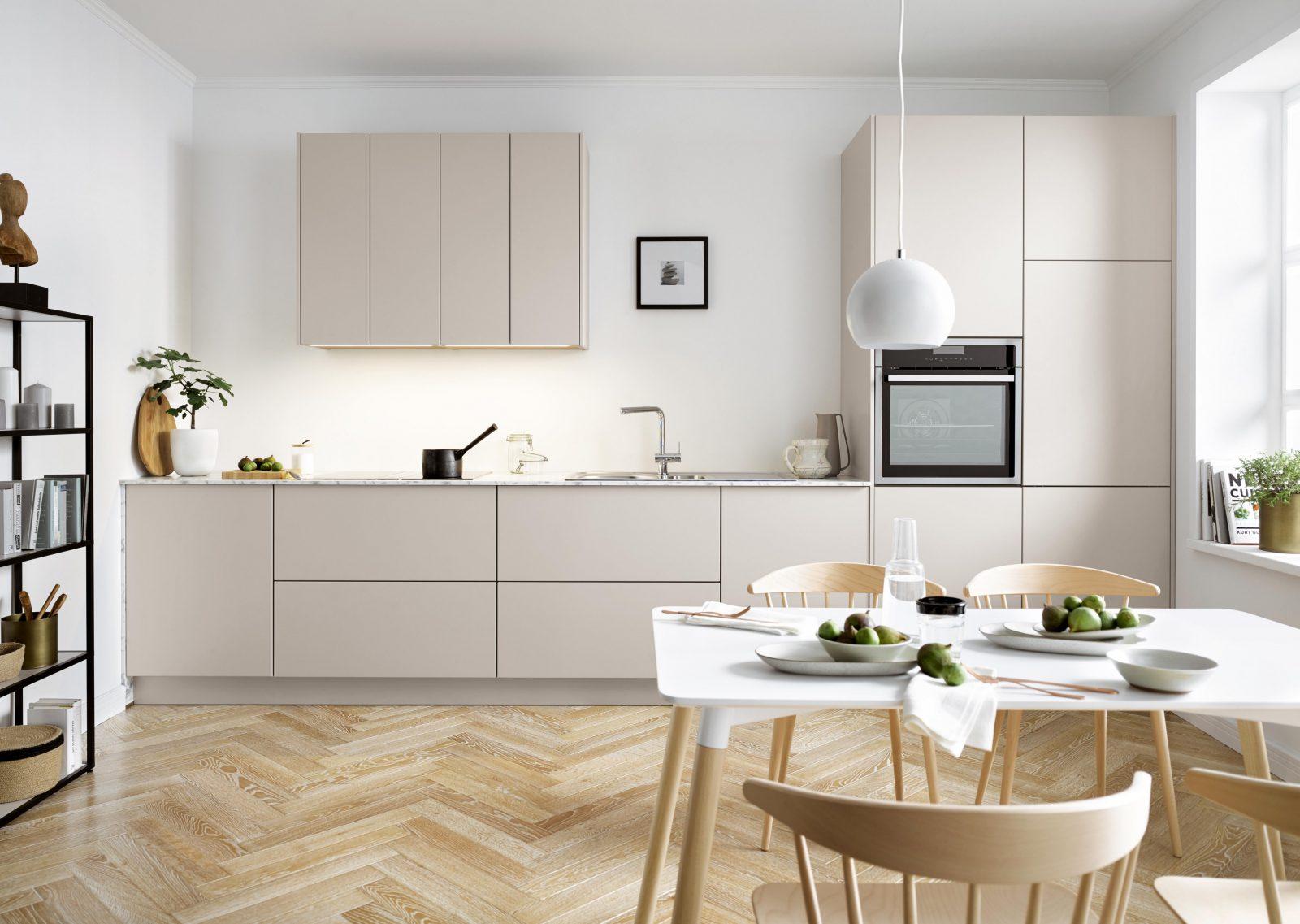 Der Passende Esstisch Für Die Küche von Küche Mit Integriertem Tisch Bild