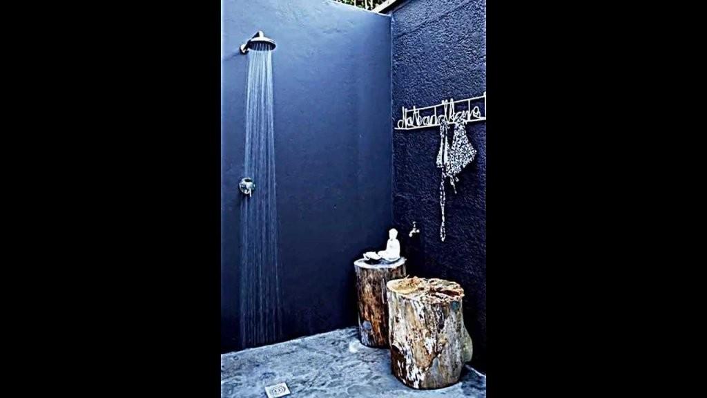 Die Dusche Für Den Garten  Solar Wie Wasserfall Und Mit von Sichtschutz Für Duschen Im Freien Photo