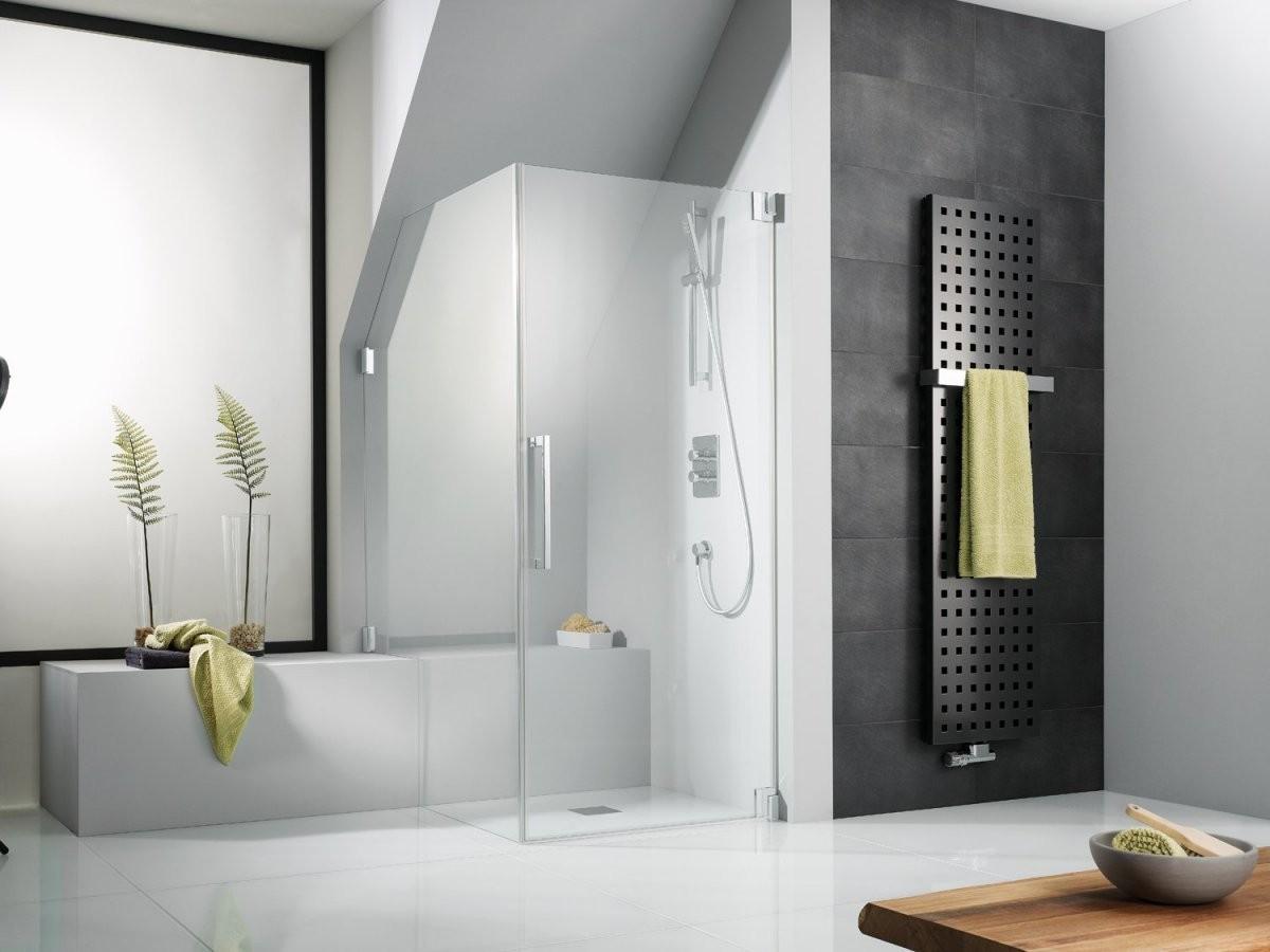 Die Idealen Duschen Bei Dachschrägen Und Anderen Herausforderungen von Dusche In Der Dachschräge Bild