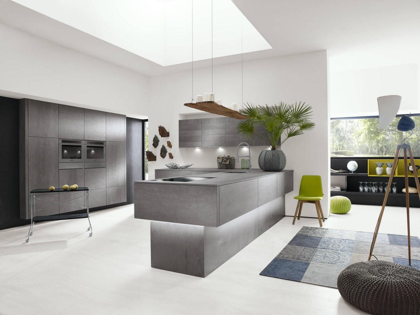 Die Luxusküche Auf Küchenliebhaber von Luxus Küche Mit Kochinsel Bild