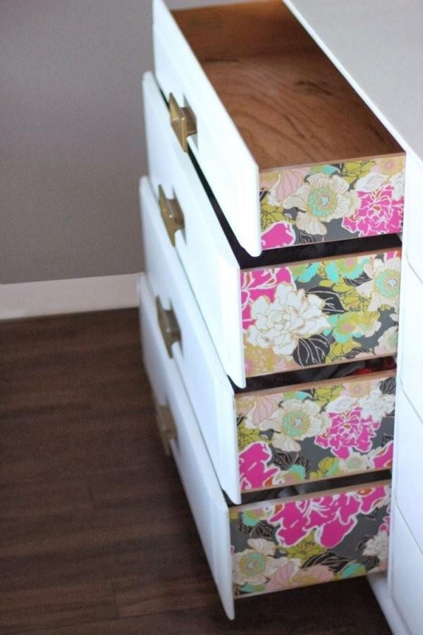 Die Seiten Der Schubladen Kreativ Farbig Tapezieren  Wohnung  Diy von Schrank Tapezieren Kreative Ideen Bild