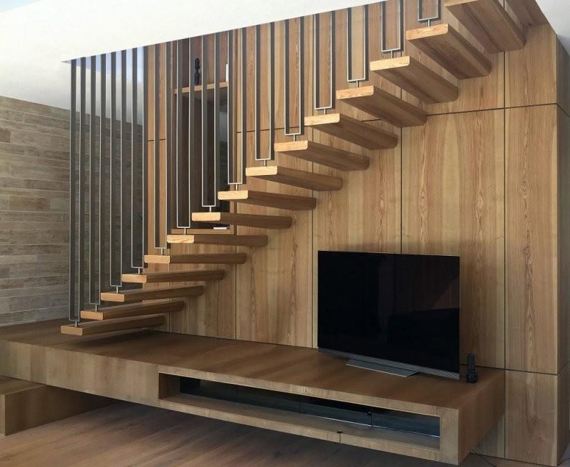 Die Treppe Die Aus Der Wand Kommt – Spreng Treppenbau von Treppe An Der Wand Bild