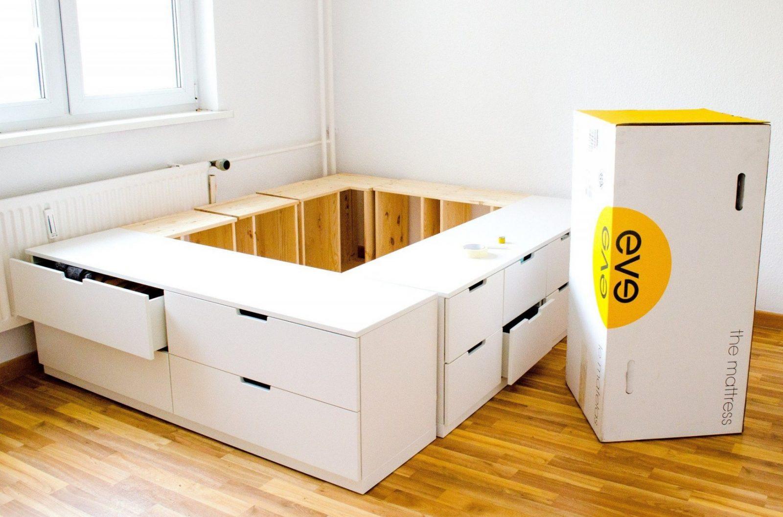 Diy Ikea Hack Plattformbett Selber Bauen Aus Ikea Kommoden Lego Bett von Plattform Bett Selber Bauen Bild
