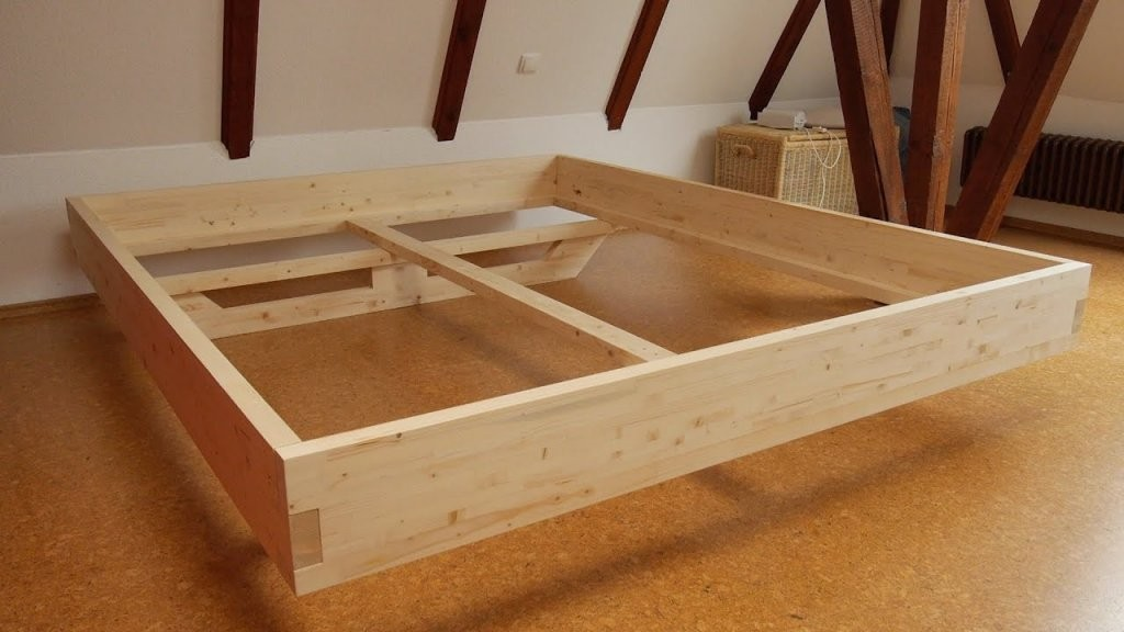 Diy Massivholzbett Selber Bauen  Youtube von Bett Selber Bauen Balken Bild