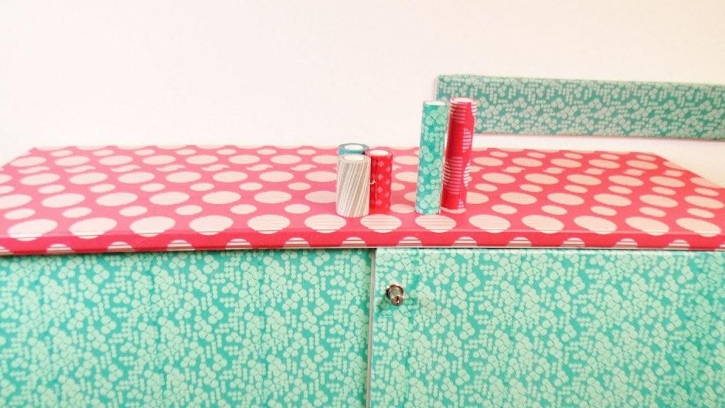 Diy Möbel Gestalten  Kathi Beklebt Den Studioschrank Mit Washi Tape von Schrank Tapezieren Kreative Ideen Photo