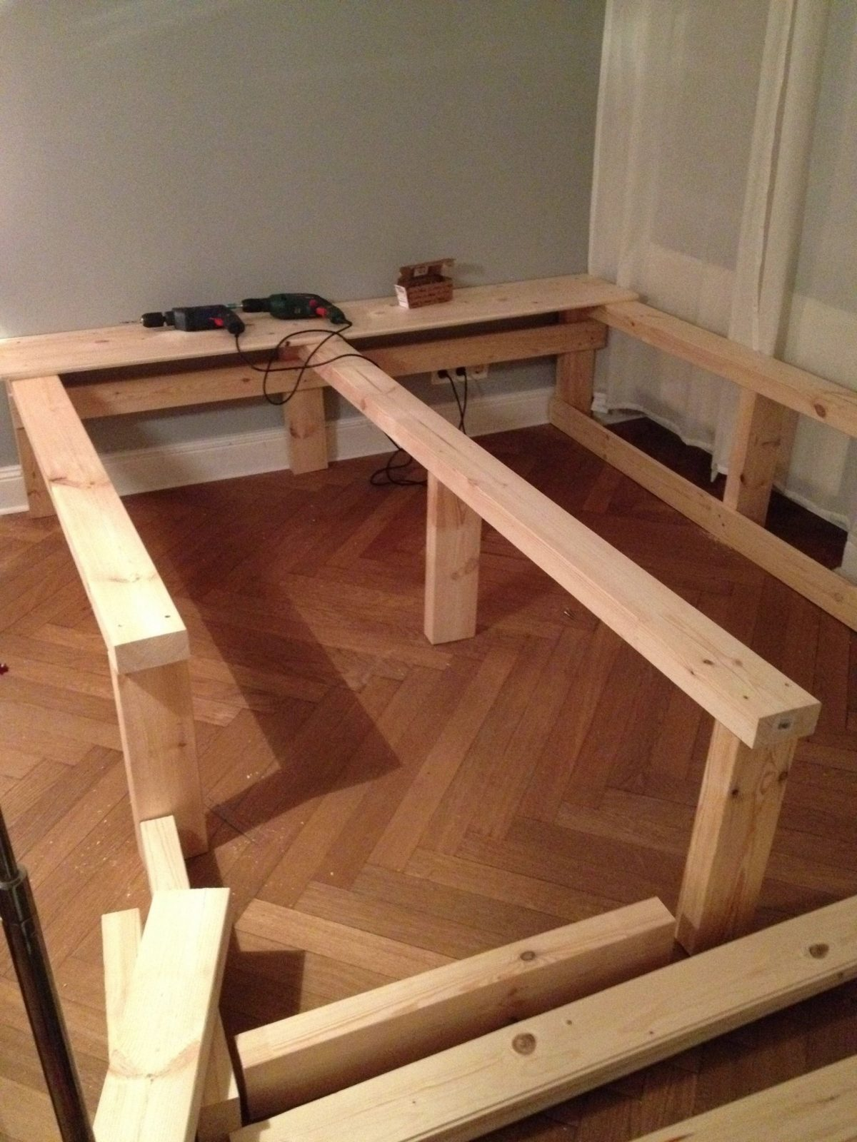 Diy Podest …  Bedroom  Bett… von Bett Selber Bauen Kreativ Bild