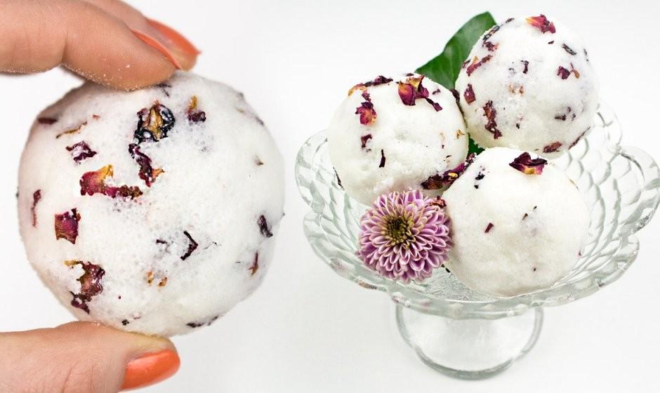 Diy Rezept Badekugeln Selber Machen Mit Lavendel  Rosenblätter von Lavendel Creme Selber Machen Bild
