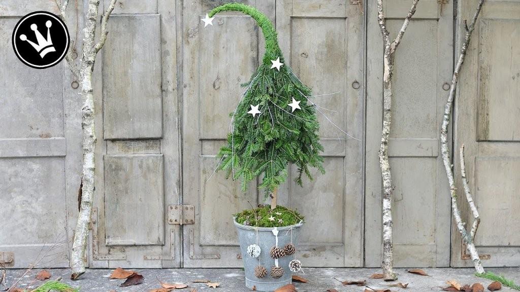 Diy  Weihnachtsdeko Selber Machen  Tannenbaum Mit Zipfelmütze Aus von Weihnachtsdeko Für Draussen Selber Basteln Photo