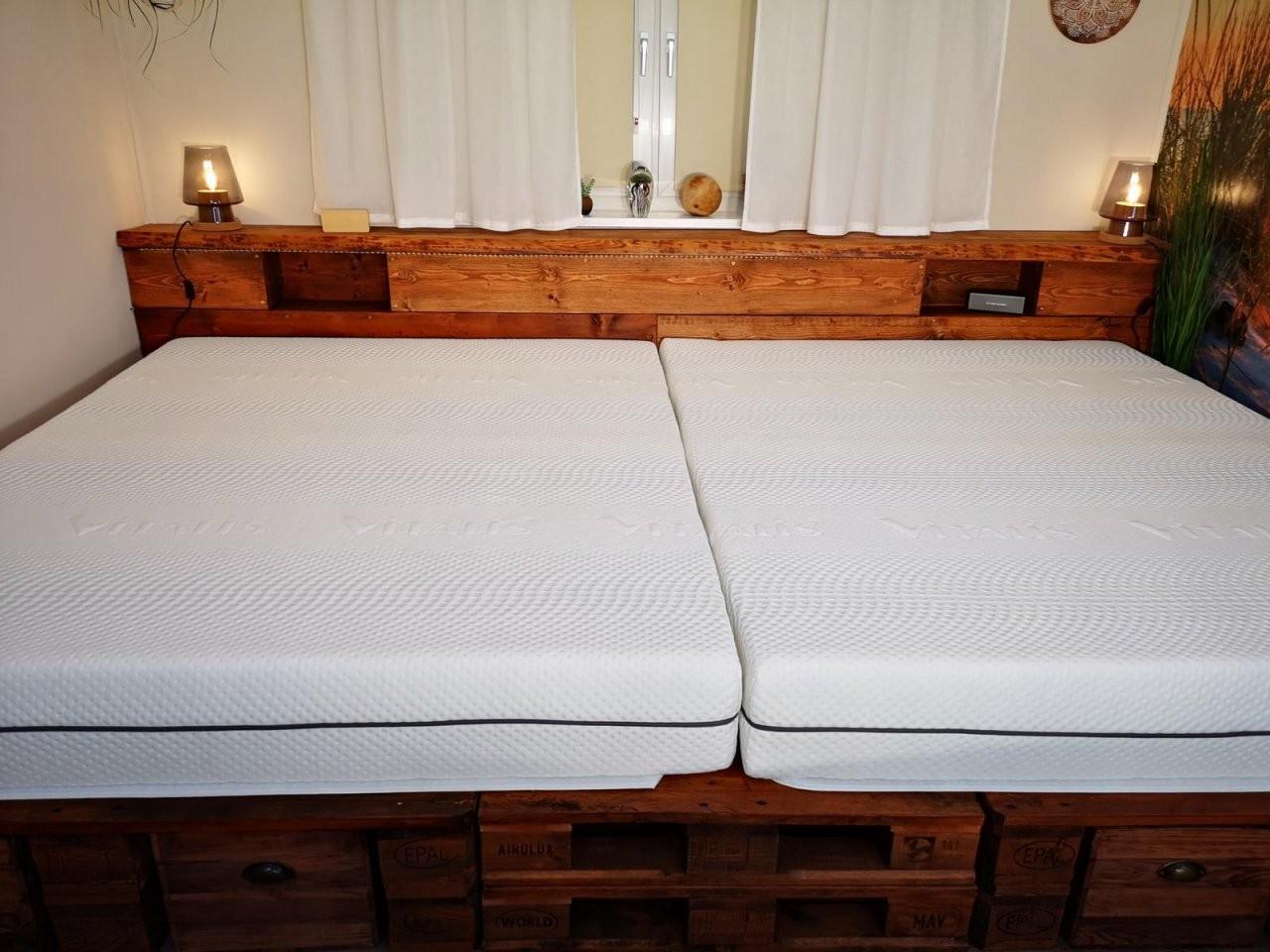 ᐅ Palettenbett Selber Bauen  Kaufen  Europaletten Bett von Palettenbett 140X200 Selber Bauen Photo