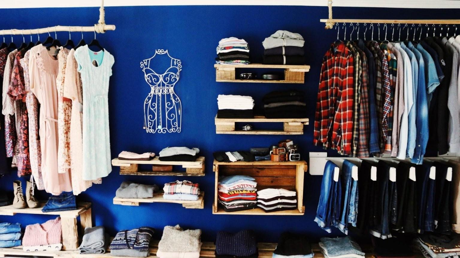 ᐅ Schrank Aus Paletten  Begehbarer Kleiderschrank Aus Paletten von Begehbarer Kleiderschrank System Günstig Bild