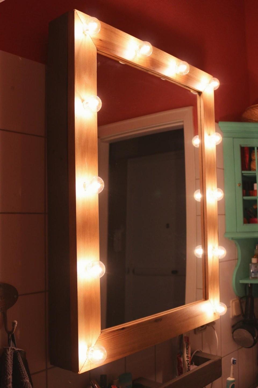 ᐅᐅ】 Hollywoodspiegel Inkl Lampenschaltung ᐅ Diy Anleitung + Shop von Schminkspiegel Mit Beleuchtung Ikea Bild